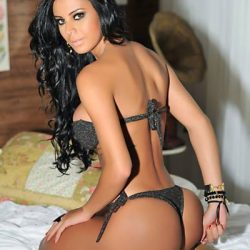 Sansasyonel, kıvrımlı vücut ve seksi sunumu ile escort Sweta